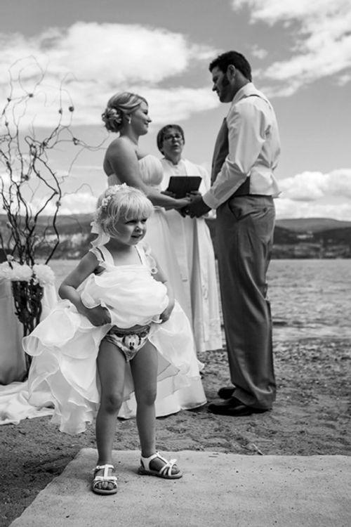 """Những tình huống """"cười ra nước mắt"""" trong lễ cưới - Ảnh 1"""
