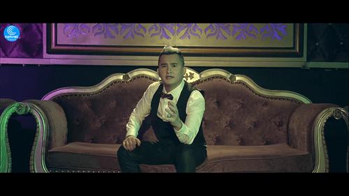 """Sky Nguyễn """"thành đôi"""" với fangirl trong MV mới """"Say nhưng không lầm"""" - Ảnh 1"""