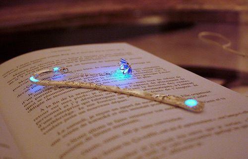 Ngắm nhìn bộ sưu tập kẹp sách đẹp lung linh, huyền ảo - Ảnh 10