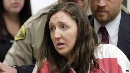Mẹ đẻ giấu xác 7 đứa con trong thùng các tông suốt 10 năm - Ảnh 1