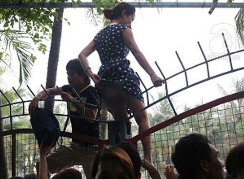 Vụ hỗn loạn tại Công viên nước Hồ Tây: Tắm miễn phí, sạch trơn văn hóa - Ảnh 2