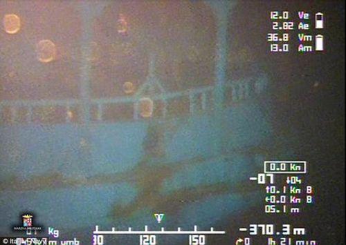 Phát hiện 800 thi thể trong chiếc tàu dưới đáy biển Địa Trung Hải - Ảnh 1