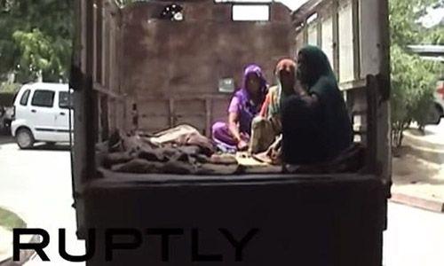 Ấn Độ: Bé gái 15 tuổi bị hãm hiếp rồi thiêu sống - Ảnh 1