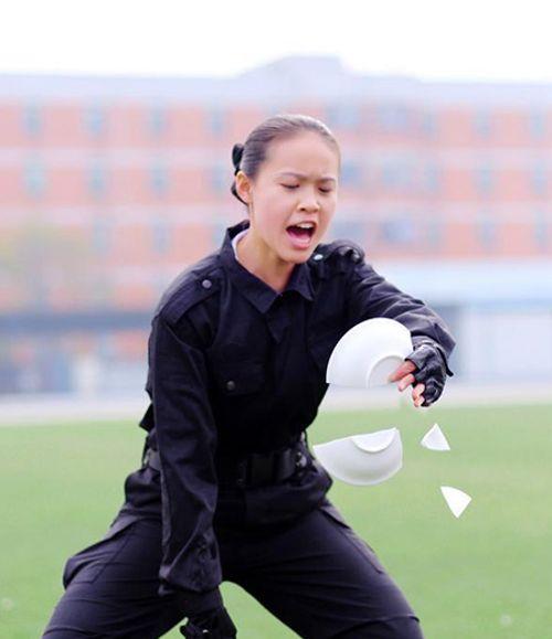 Trung Quốc: Tiếp viên hàng không xinh đẹp được huấn luyện như thế nào? - Ảnh 6