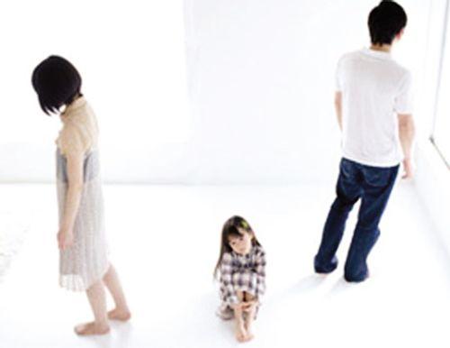 Lời kêu cứu của người đàn bà lận đận bị người tình giành mất con - Ảnh 1