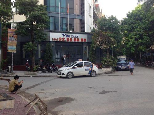 Nhìn lại toàn bộ diễn biến vụ taxi điên tại cầu vượt Thái Hà - Ảnh 5