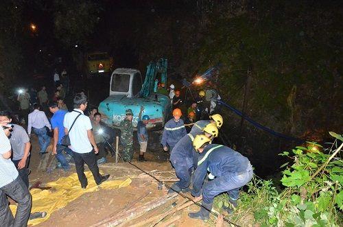 Sập hầm than Hòa Bình: Nạn nhân thứ 3 vẫn chưa được tìm thấy - Ảnh 1