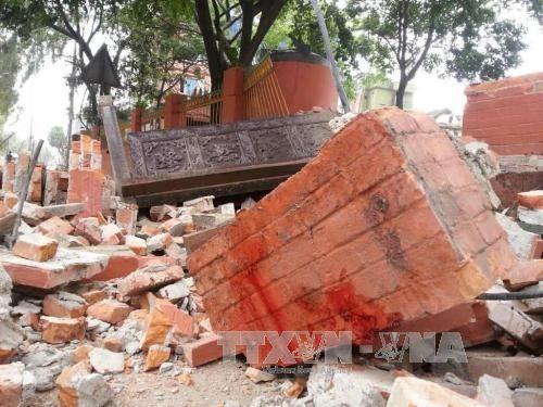 Động đất rung chuyển khắp Nam Á, gần 800 người chết - Ảnh 1