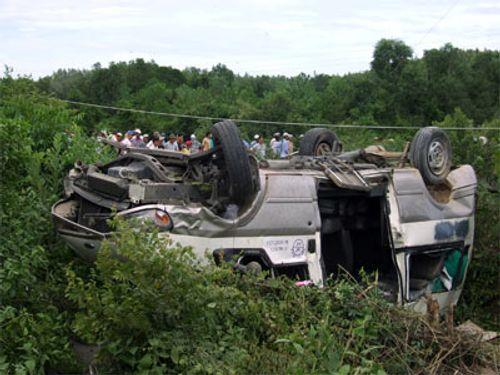 Gần 100 người tử vong do tai nạn giao thông trong 4 ngày nghỉ lễ - Ảnh 1