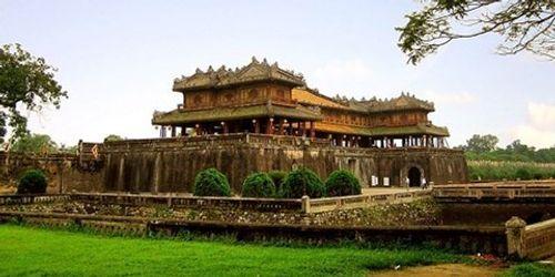 Có hay không hầm chứa vàng bí ẩn của vua Minh Mạng - Ảnh 1
