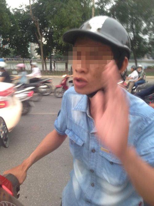 Danh tính gã xe ôm ăn vạ, lừa đảo trên các tuyến phố Hà Nội - Ảnh 1