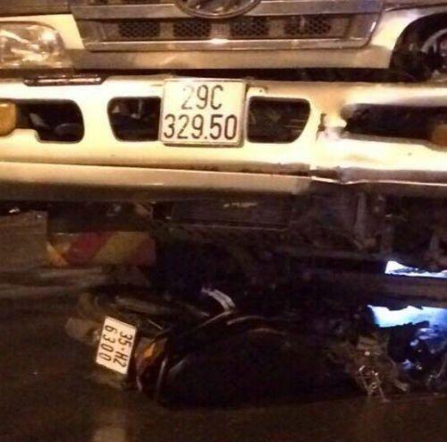 Thanh niên tử nạn vì phóng xe máy lên cầu Thăng Long - Ảnh 1