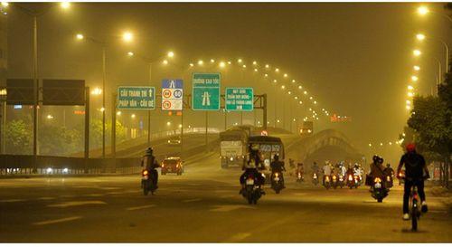 Sương mù quang hóa đang 'bủa vây' Hà Nội và Sài Gòn: Ô nhiễm đặc biệt - Ảnh 1