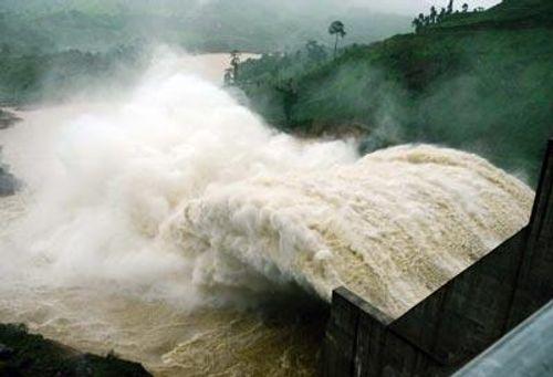 'Phải vĩnh viễn chấm dứt tình trạng lũ thủy điện' - Ảnh 1