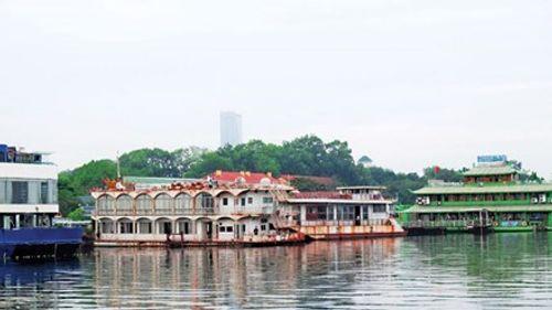 Hà Nội yêu cầu đình chỉ hoạt động bến du thuyền hồ Tây - Ảnh 1