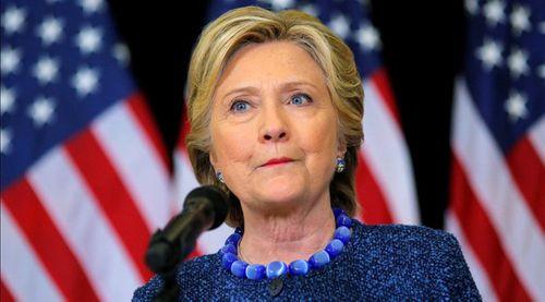 FBI điều tra vụ email bà Clinton khi bầu cử tổng thống Mỹ chỉ còn 10 ngày - Ảnh 1