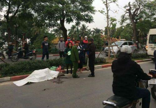 Hà Nội: Cụ ông tử vong sau khi bất ngờ ngã xuống đường - Ảnh 1