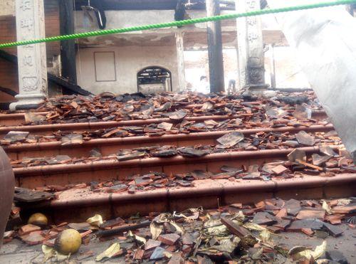 Hà Nội: Hiện trường vụ cháy thiêu rụi nhà tổ chùa 400 năm tuổi - Ảnh 5