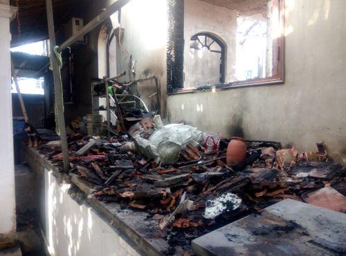 Hà Nội: Hiện trường vụ cháy thiêu rụi nhà tổ chùa 400 năm tuổi - Ảnh 6