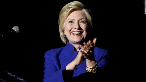 Bầu cử Tổng thống Mỹ: Bà Clinton dẫn trước ông Trump 5 điểm - Ảnh 1