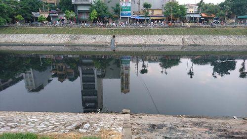 Hà Nội: Trục vớt thi thể người phụ nữ dưới sông Tô Lịch - Ảnh 2