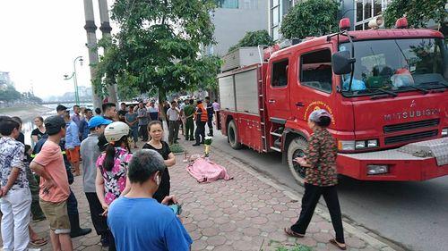 Hà Nội: Trục vớt thi thể người phụ nữ dưới sông Tô Lịch - Ảnh 1