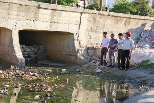 Đà Nẵng: Chấp nhận bãi biển ô nhiễm vì chưa có kinh phí - Ảnh 1