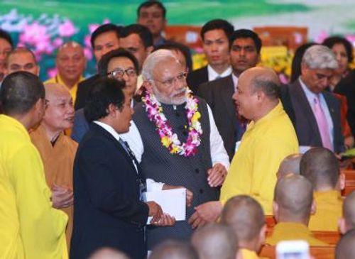 Thủ tướng Ấn Độ giao lưu với tăng, ni Học viện Phật giáo Việt Nam - Ảnh 1