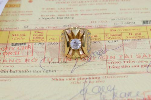 Khách hàng khiếu nại Bảo Tín Minh Châu bán đá tính tiền như giá vàng - Ảnh 1