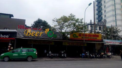 Những quán bia đang bức tử vỉa hè Hà Nội - Ảnh 5