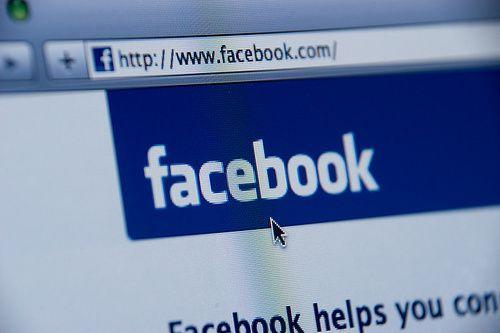 Cặp đôi đầu tiên làm thủ tục ly hôn qua tin nhắn Facebook - Ảnh 1