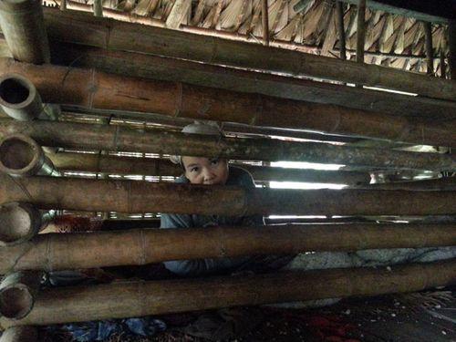 Người đàn bà 4 năm bị nhốt trong cũi ở Thanh Hóa - Ảnh 1