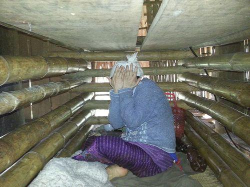 Người đàn bà 4 năm bị nhốt trong cũi ở Thanh Hóa - Ảnh 2