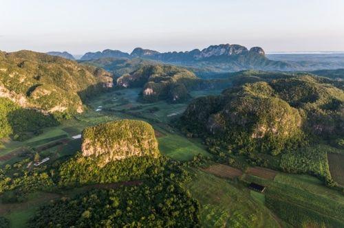 Vẻ đẹp của quốc đảo Cuba qua ảnh chụp trên không hiếm có  - Ảnh 16
