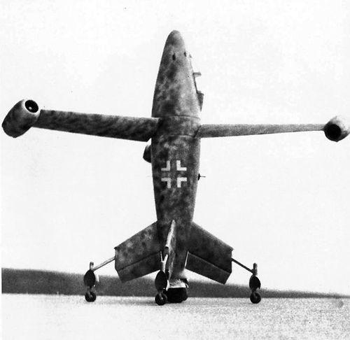 Máy bay cất cánh thẳng đứng kỳ quái của Đức - Ảnh 1
