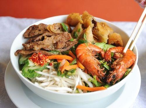 19 khu phố ẩm thực nổi tiếng tại TP HCM - Ảnh 1