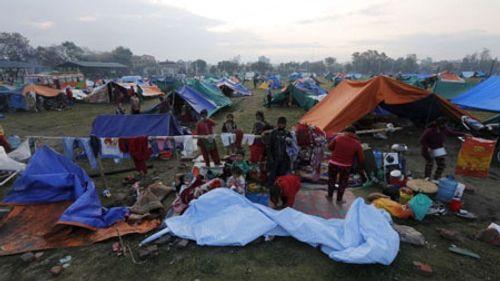 Thảm họa động đất Nepal: Bác sĩ dùng nắm đấm cứu người - Ảnh 2