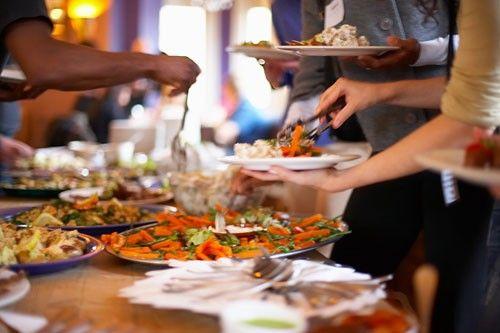 Những điều bạn buộc phải biết khi ăn buffet - Ảnh 1
