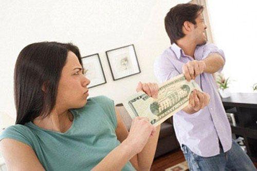 Ngột ngạt vì chồng siêu tiết kiệm - Ảnh 1