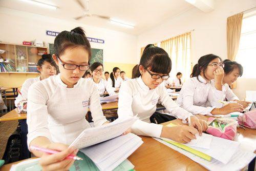 Điểm chuẩn lớp 10 trường chuyên đợt 2: Hạ từ 0,5 đến 4 điểm - Ảnh 1