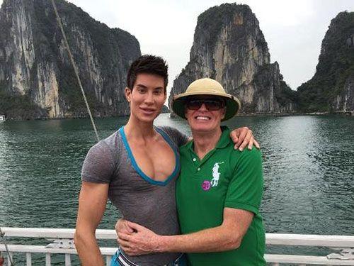 Chàng trai ghép cánh vào lưng khoe ảnh du lịch Việt Nam - Ảnh 1