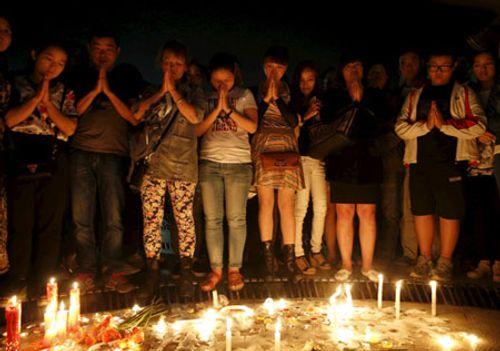 Chìm tàu Trung Quốc: Tìm thấy 396 thi thể, thân nhân tuyệt vọng - Ảnh 2