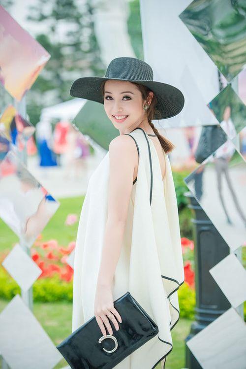 Lưu Hương Giang khoe nội y gây sốc ở Đẹp Fashion Runway - Ảnh 3