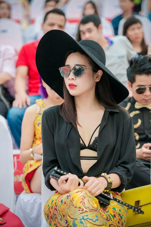 Lưu Hương Giang khoe nội y gây sốc ở Đẹp Fashion Runway - Ảnh 1