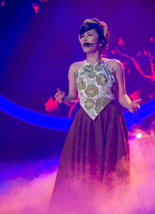 Gương mặt thân quen 2015 tập 1: Khương Ngọc hóa ca sĩ Ấn Độ đoạt 100 triệu - Ảnh 3