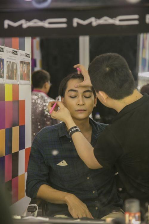 Gương mặt thân quen 2015 tập 2: Mai Quốc Việt hóa Chế Linh giành 100 triệu - Ảnh 3