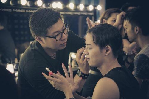 Gương mặt thân quen 2015 tập 2: Mai Quốc Việt hóa Chế Linh giành 100 triệu - Ảnh 2