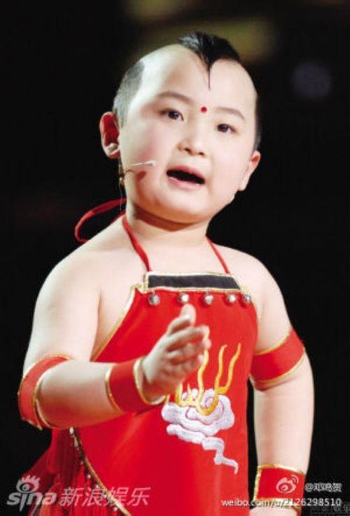 """""""Thần đồng 8 tuổi"""" showbiz Hoa ngữ qua đời vì ung thư máu - Ảnh 1"""
