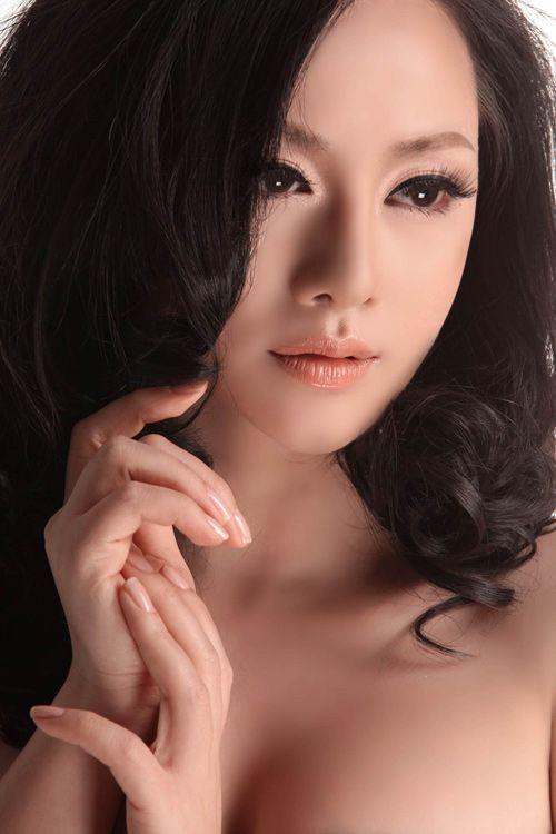 Nghệ sỹ Việt ứng xử với ly hôn: Kẻ náo loạn, người chìm sâu... - Ảnh 3