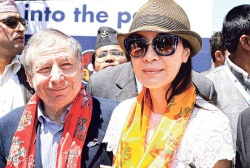 Diễn viên Dương Tử Quỳnh mắc kẹt tại Nepal vì động đất - Ảnh 1